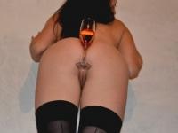 A pezsgőínyenc krampuszlány