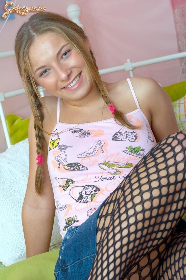 Pinamutogató meztelen modellek Tini puncik és fiatal pinák Pina és punci archívum.