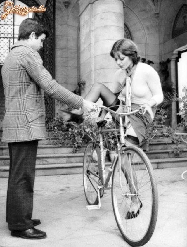 Aztán valaki feltalálta a női kerékpárt....