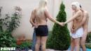 Szöszi barátnők kerti szexpartyja - 3. kép