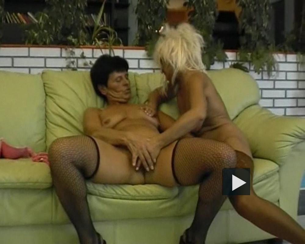 fekete leszbikus grind pornó feleség hármasban szex videók