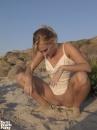 Meztelenül a homokban - 3. kép