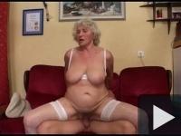 Drága nagymami egy szexdémon!