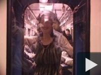 Egy szál pinában a 3-as metrón!