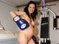 Lili felveszi a boxkesztyűt