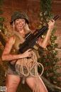Kúrás a lövészárokban - 3. kép