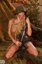Kúrás a lövészárokban - 10. kép