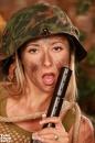 Kúrás a lövészárokban - 12. kép