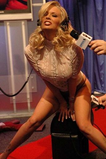 ingyenes meleg pornó rángatózó ki