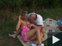 Gizi dugós pikniken