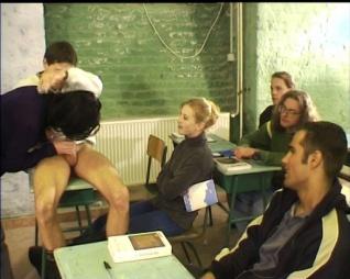 A suli-buli (Iskolás lányok)