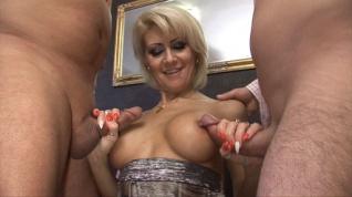 Meztelen pornócső