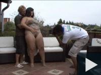 C. Pina férj-felszarvazó születésnapi akciója