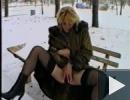 Anyuci a hóban