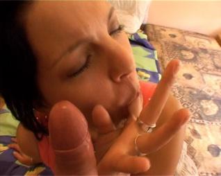 Dildós tini lotyók akcióban