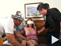 Parázna feleség gang-bangben