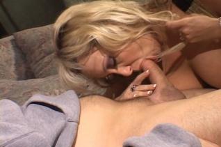 Bombatestű anyukák imádják a szexet - MILTF 28